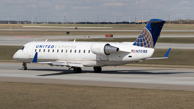 A picture of N701BR - Mitsubishi CRJ200ER - United Airlines - © Mike MacKinnon