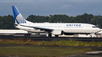 A picture of N76522 - Boeing 737824 - United Airlines - © Brian Boche