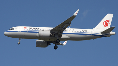 A picture of B30DA - Airbus A320271N - Air China - © ShepherdWang