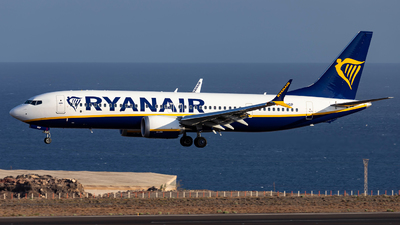A picture of EIHGP - Boeing 737 MAX 8200 - Ryanair - © Jan H