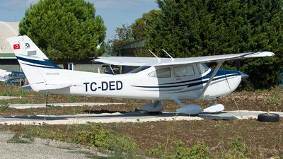 TC-DED - Cessna 182T Skylane - Private