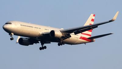 N343AN - Boeing 767-323(ER) - Untitled