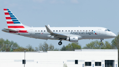 A picture of N281NN - Embraer E175LR - American Airlines - © Erik Goodfellow
