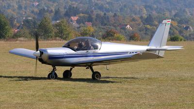 165-18 - Zenair CH601 - Private