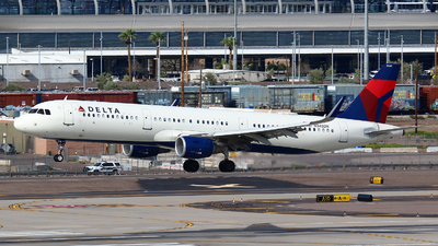 A picture of N345DN - Airbus A321211 - Delta Air Lines - © Zihao Wang ~ AHaoo