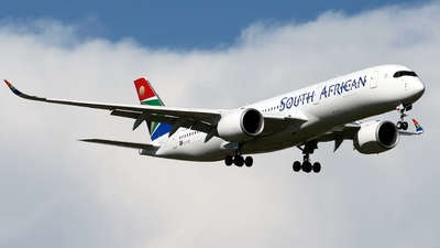ZS-SDF - Airbus A350-941 - South African Airways