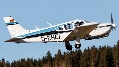 A picture of DEHEI - Piper PA28R200 Cherokee Arrow II - [28R7235040] - © Oliver Richter