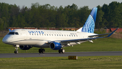 A picture of N617UX - Embraer E175LL - United Airlines - © Zachary Wilkie