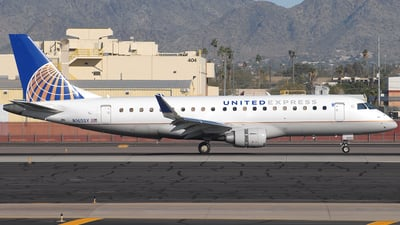 A picture of N165SY - Embraer E175LR - United Airlines - © Jason Whitebird