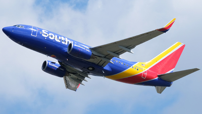 N7831B - Boeing 737-7CT - Southwest Airlines