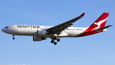 A picture of VHEBN - Airbus A330202 - Qantas - © Godwin Diega Gabuat