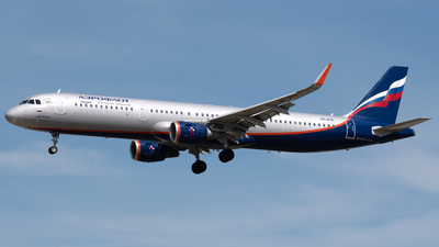 A picture of VPBTK - Airbus A321211 - Aeroflot - © PAUL LINK