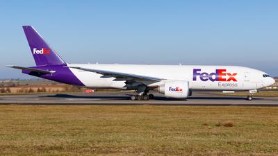 A picture of N896FD - Boeing 777F - FedEx - © Matteo Lamberts