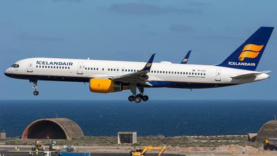 A picture of TFFIO - Boeing 757208 - Icelandair - © Adolfo Bento de Urquía