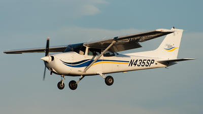 A picture of N435SP - Cessna 172S Skyhawk SP - [172S8304] - © SpotterPowwwiii