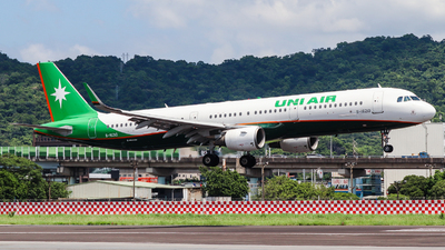 B-16210 - Airbus A321-211 - Uni Air