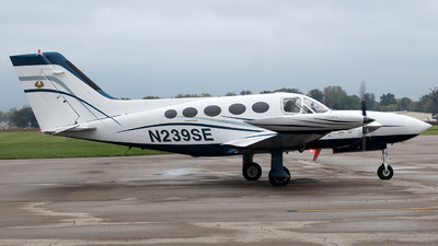 A picture of N239SE - Cessna 421B - [421B0315] - © Zihaoo W & Donny H Photography