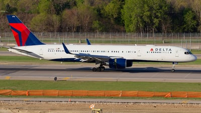 A picture of N6713Y - Boeing 757232 - Delta Air Lines - © Jeremy D. Dando