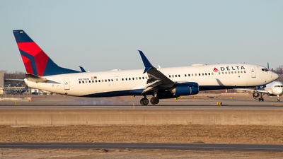 A picture of N821DN - Boeing 737932(ER) - Delta Air Lines - © Twin Cities Spotter