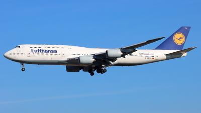 A picture of DABYG - Boeing 747830 - Lufthansa - © Fabian Dirscherl