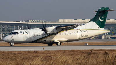 AP-BHM - ATR 42-500 - Pakistan International Airlines (PIA)