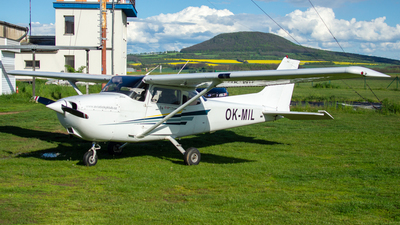 A picture of OKMIL - Cessna 172S Skyhawk SP - [172S8719] - © Stephan Wagner
