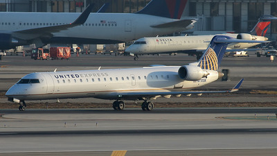 N755SK - Bombardier CRJ-701 - United Express (SkyWest Airlines)