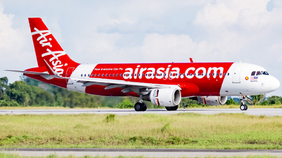 A picture of 9MAJC - Airbus A320216 - AirAsia - © Nigel Shim