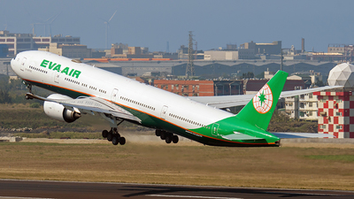 A picture of B16733 - Boeing 7773SH(ER) - EVA Air - © ECHO