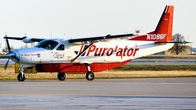 A picture of N1086F - Cessna 208B Grand Caravan - Castle Aviation - © Jackson W