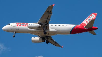 PR-MBZ - Airbus A320-232 - TAM Linhas Aéreas