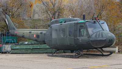 HU.10-62 - Bell UH-1H Iroquois - Spain - Army
