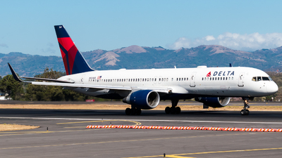 A picture of N541US - Boeing 757251 - Delta Air Lines - © Alfredo La Red