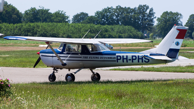PH-PHS - Cessna 150G - Private
