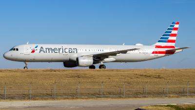 A picture of N187US - Airbus A321211 - American Airlines - © Nick Kort