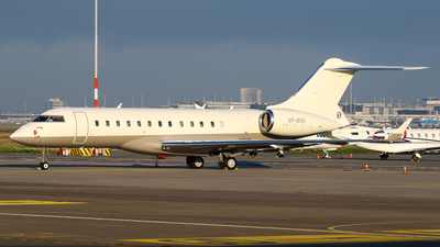 VP-BVG - Bombardier BD-700-1A10 Global Express XRS - Private