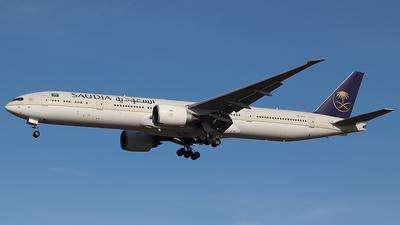 A picture of HZAK21 - Boeing 777368(ER) - Saudia - © Jorge Medina Mediavilla
