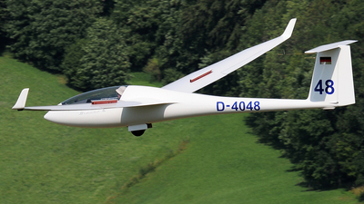 D-4048 - Schempp-Hirth Discus B - Private