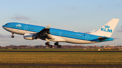 A picture of PHAOE - Airbus A330203 - KLM - © Joost Alexander