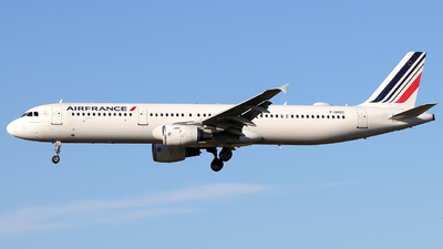 A picture of FGMZC - Airbus A321111 - Air France - © Alberto Cucini