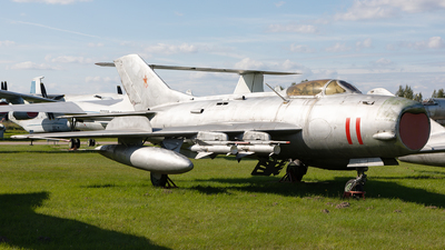 11 - Mikoyan-Gurevich Mig-19PM Farmer D - Soviet Union - Air Force