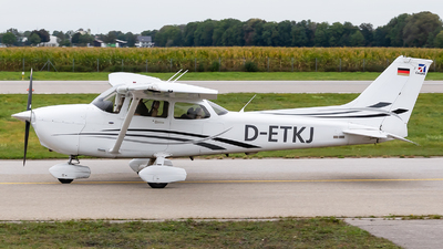 D-ETKJ - Cessna 172S Skyhawk SP - Private