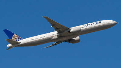 N2846U - Boeing 777-322ER - United Airlines