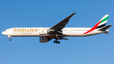 A6-EPW - Boeing 777-31HER - Emirates