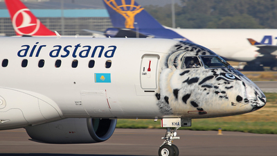 P4-KHA - Embraer 190-300STD - Air Astana