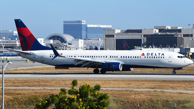 A picture of N875DN - Boeing 737932(ER) - Delta Air Lines - © Rocky Wang