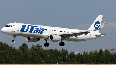 VQ-BRT - Airbus A321-211 - UTair Aviation