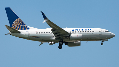 A picture of N16713 - Boeing 737724 - United Airlines - © dannywhb