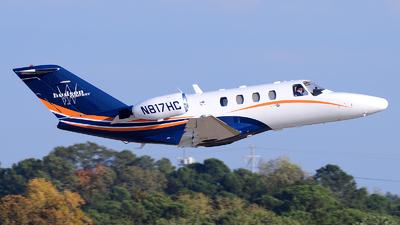 A picture of N817HC - Cessna 525 CitationJet Cj1 - [5250459] - © Agustin Anaya