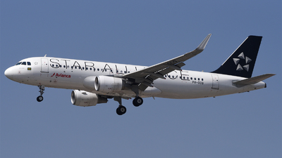 PR-OCQ - Airbus A320-214 - Avianca Brasil